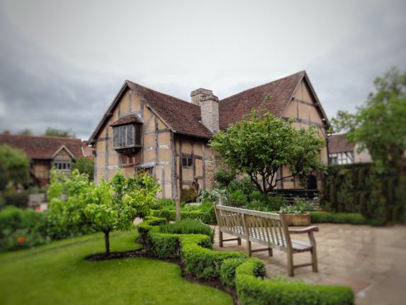 Visiting Shakespeare's Birthplace in Startford-Upon-Avon